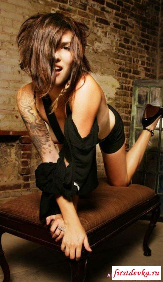 Бабы с татуировками порно подборка