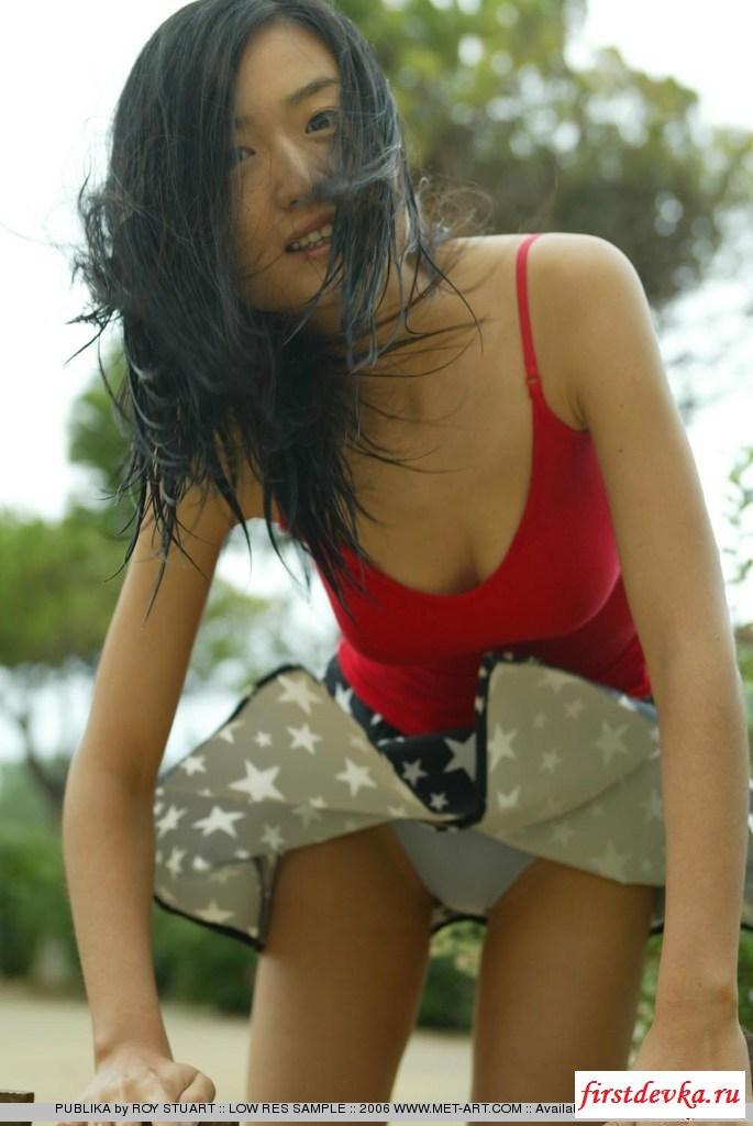 Китайская небритая девушка секс фото