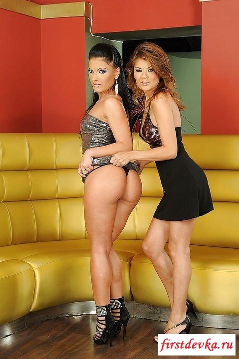 Лесбиянки встретились после долгой разлуки