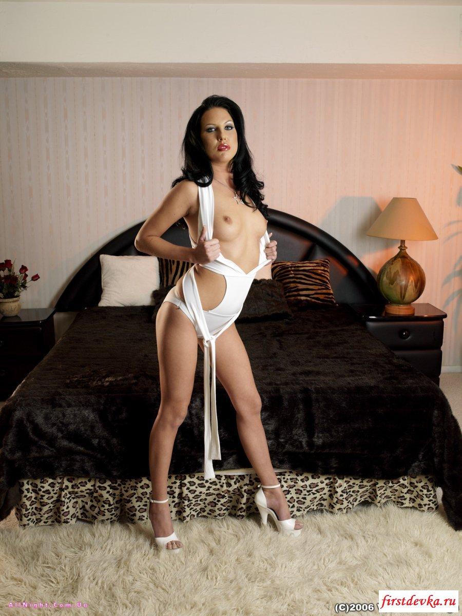 Сучка сделала в домашних условиях ремонт секс фото галерея