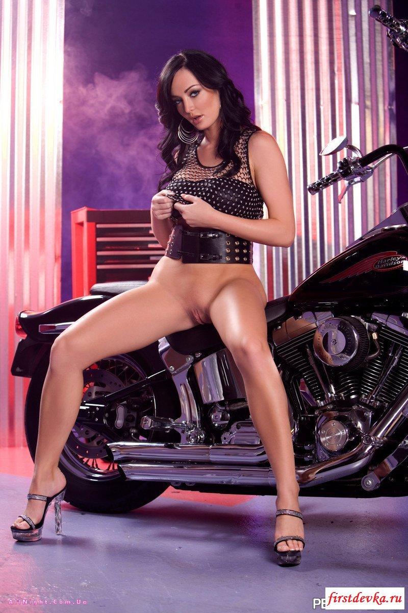 Самая правильная кобыла байкера выглядит именно так секс фото галерея