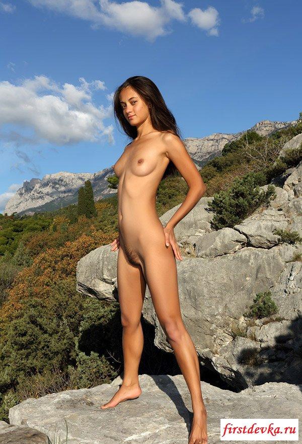 Молодуха любит лазить по горам