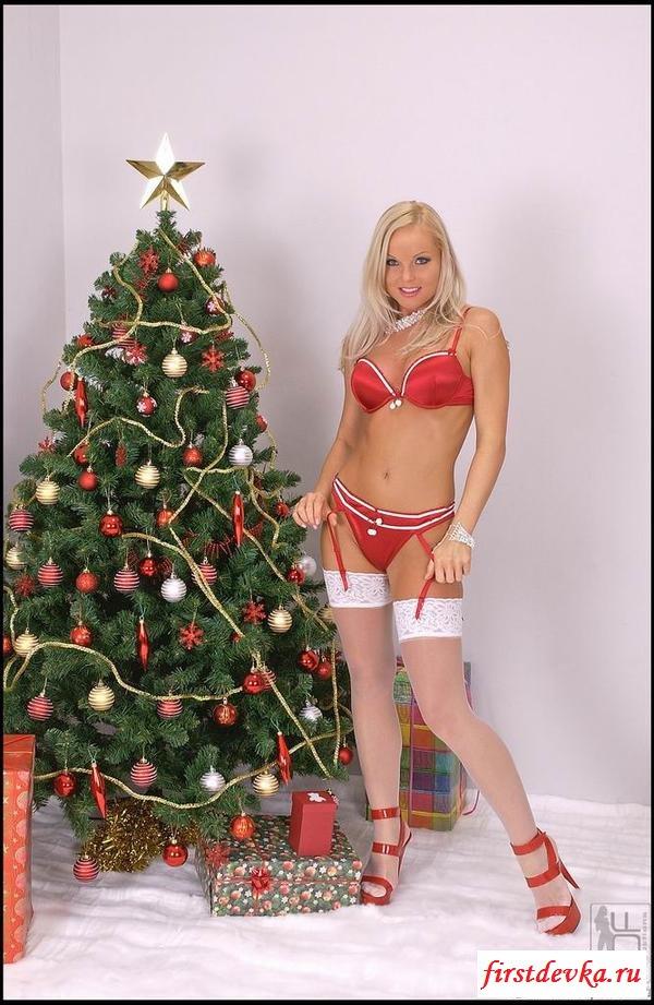 Шикарная блондинка в красивом белье