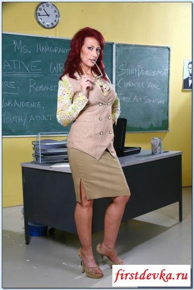 В школе обнажилась пошлая училка