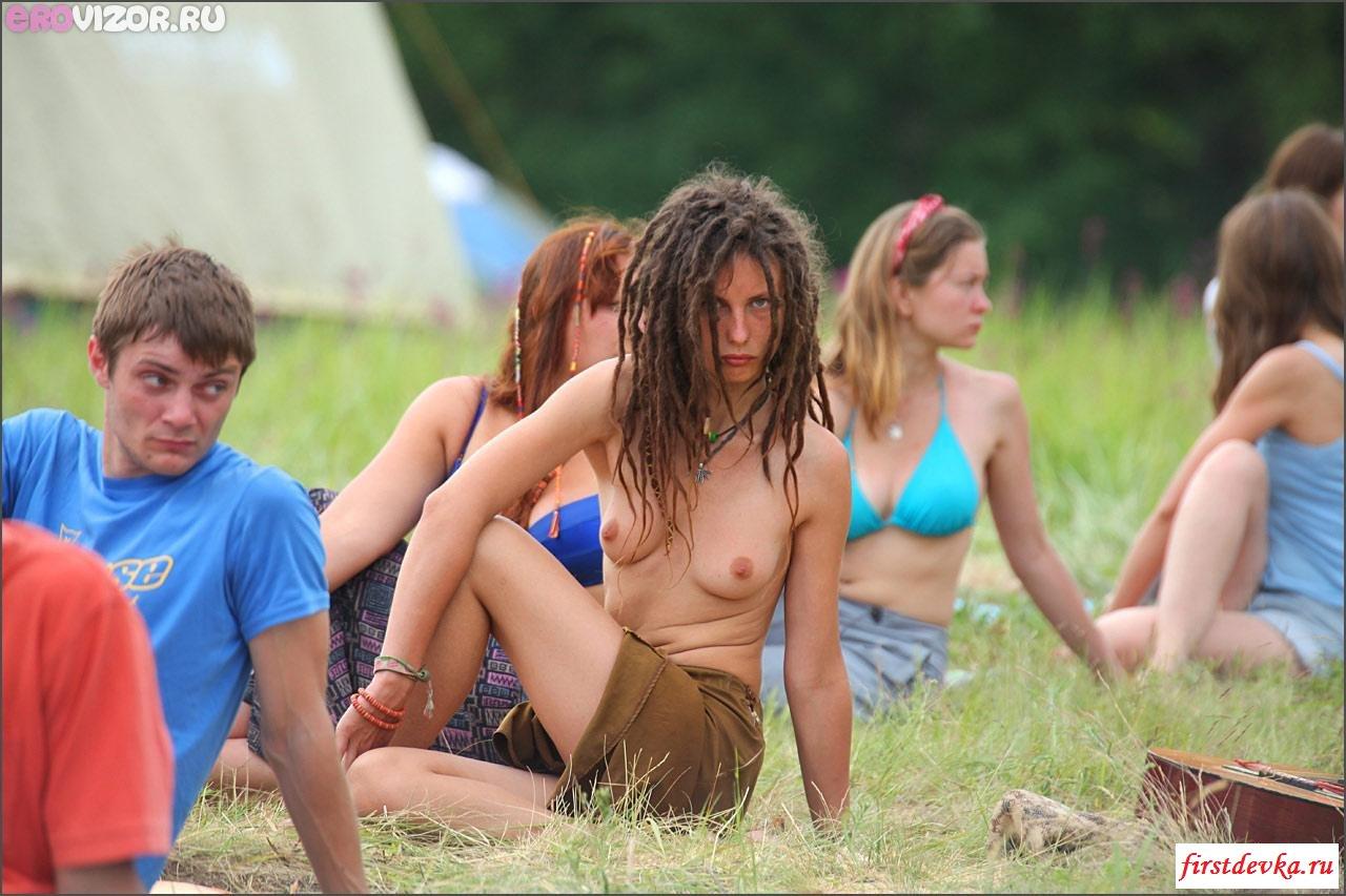 Эротика с классными нудистками на пляже