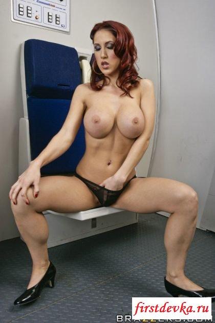 Обалденная грудь сочной стюардессы