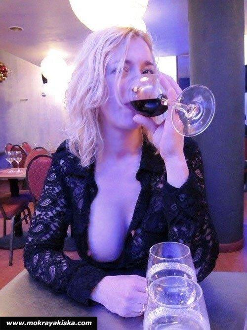 Потрясающая эротика с пьяными тёлками смотреть эротику