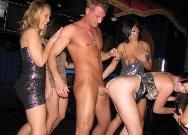 Порно вечеринки с распутными девахами  (26 фото эротики)