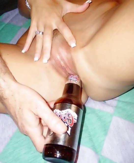 Порно видео невесте в пизду бутылку