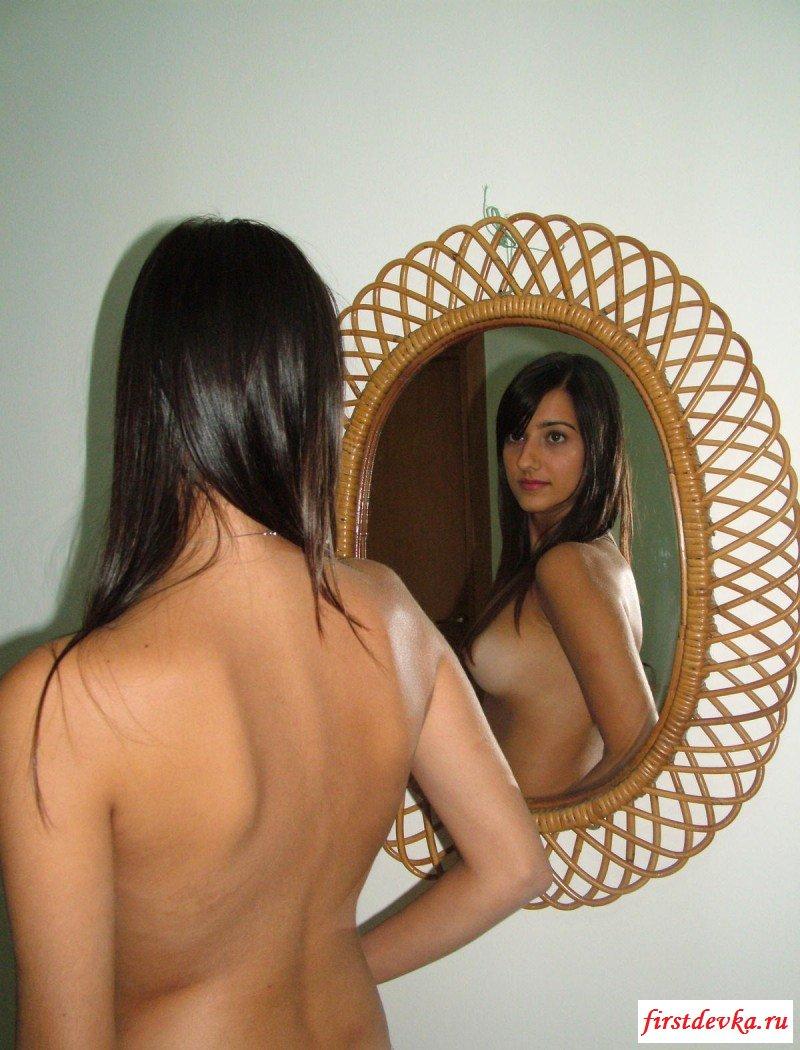 Домашние развлечения сексуальной кавказской дамы