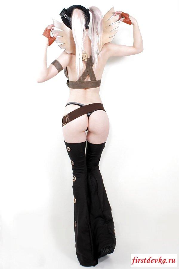 Эротичное переодевание от хорошенькой блондинки