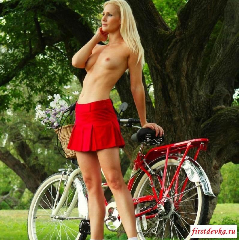 Эксгибиционисткие фото выходки от эротичных велосипедисток