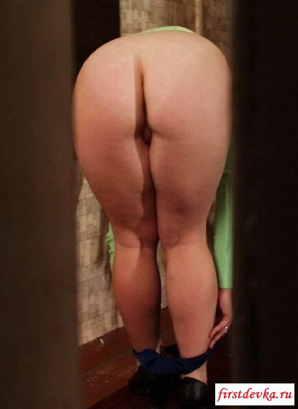 Фото вуайериста наблюдение за раздетой мачехой смотреть эротику