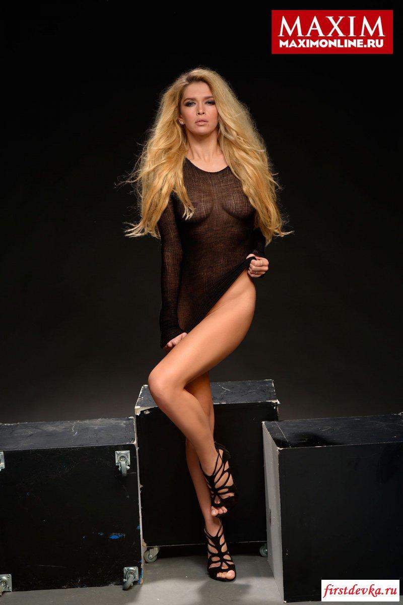 Похотливая Вера Брежнева на фотографиях секс фото