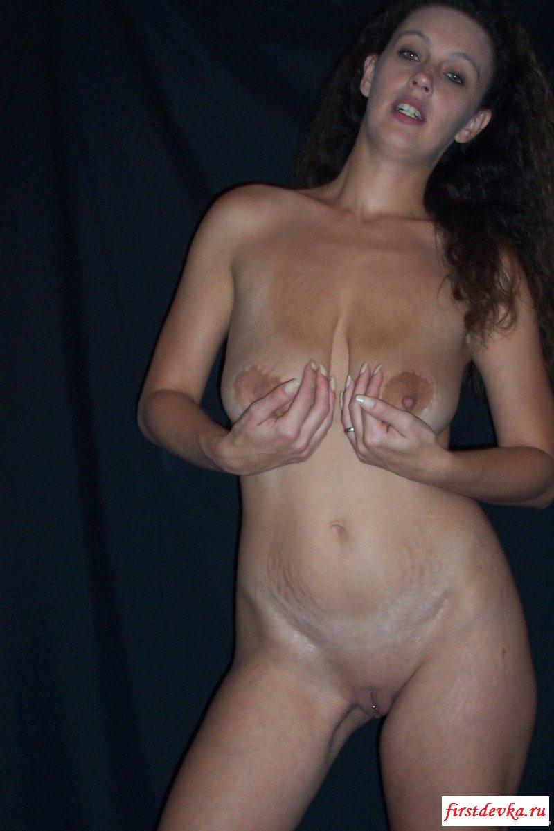 Сексуальная жена с подвисающими дойками