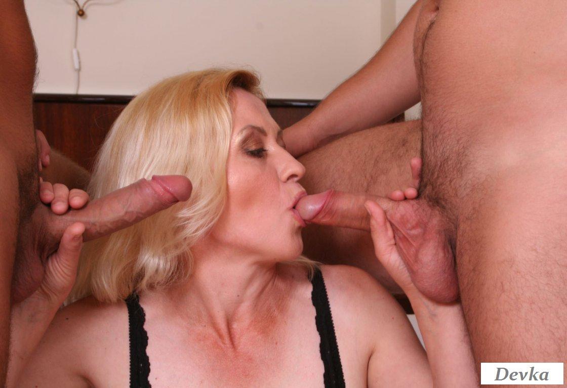 Мамы и муж сосет порно