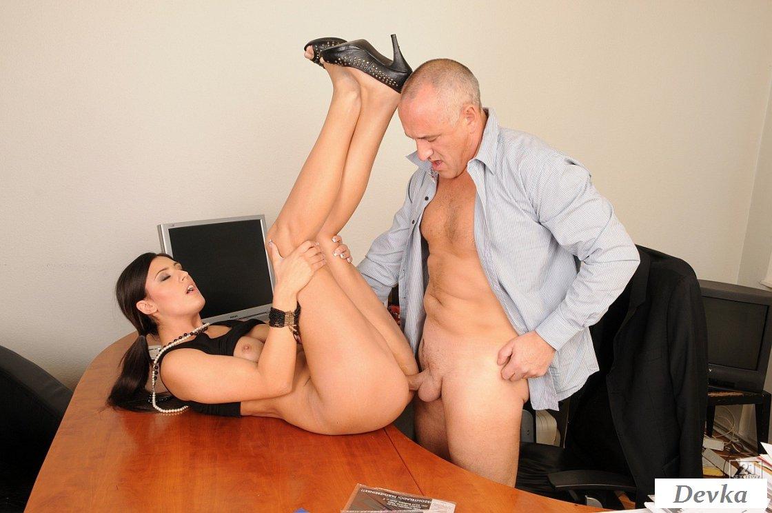 Секретарша и ее муж порно рассказы