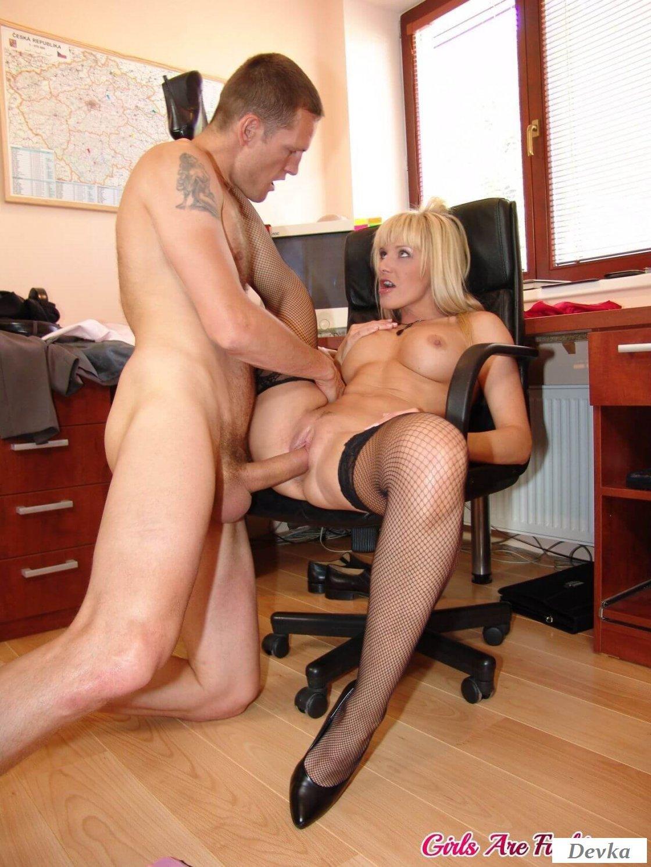 Муж на работе порно скачать